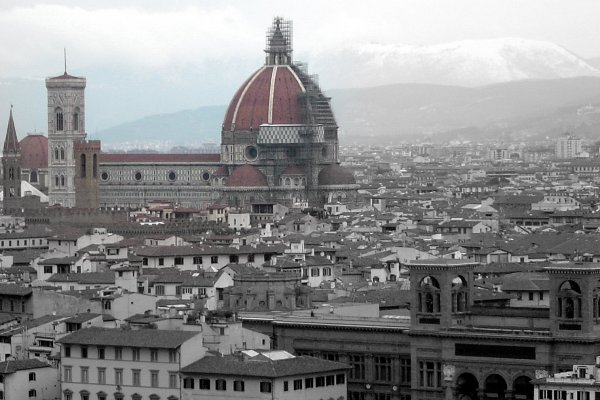 Duomo (600Wx400H) - The Duomo is hard to miss from any part of Florence...(Jacqueline Ahn, from New York currently studying at Polimoda in Florence)