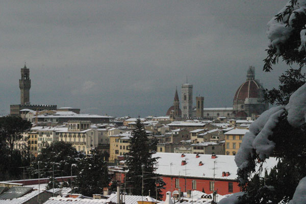View of Florence (600Wx400H) - 28th December 2005 - View of Florence from Piazzale Michelangelo (Photo by Marco De La Pierre)