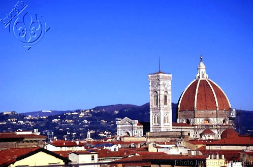 Duomo and Fiesole (600Wx400H) - Duomo and Campanile surrounded by the city hills in a cold cold day of January 2003. (Photo by Marco De La Pierre)