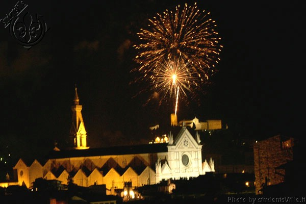 Firework in Santa Croce (600Wx400H) - Fireworks in Florence Night of San Giovanni (24 June). (Photo by Marco De La Pierre)