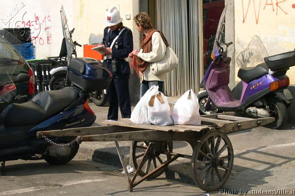 Handcart  (600Wx400H) - Handcart in a no parking zone? The city police of Florence is famous for being very very strict...so pay attention to your parking in the city center! (Photo by Marco De La Pierre)