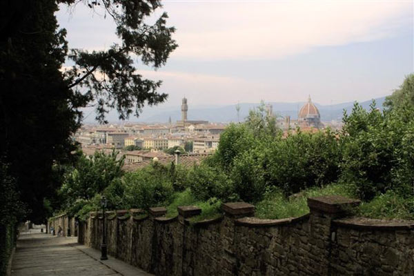 Giardino delle Rose (600Wx400H) - Florence seen from Giardino delle Rose. Courtesy of <a href='http://www.istitutoeuropeo.it/agent/sv/ie.htm' target='_blank'>Istituto Europeo</a>