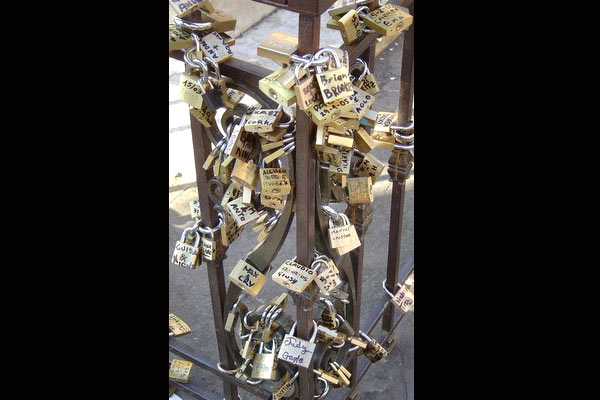 Download Locks of Love (600Wx400H)