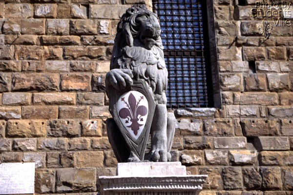 Marzocco (600Wx400H) - The lion called 'Marzocco' [Donatello - 15th century ], symbol of the Florentine Army in the Middle Age (Photo by Paolo Ramponi)