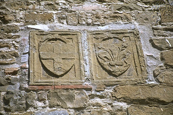 Porta S.Miniato (600Wx400H) - Coat of Arms on the S.Miniato gate (Photo by Paolo Ramponi)