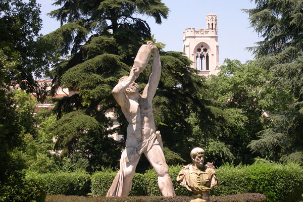 Orti Oricellari garden (600Wx400H) - The wonderful view of Orti Oricellari garden located not far from the Santa Maria Novella Railway Station of Florence. 