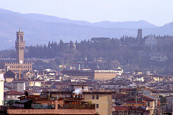 Palazzo Vecchio (600Wx400H) - Picture of Palazzo Vecchio (Florence Municipality) taken from the tenth floor of a building located in Novoli district - (Photo by Marco De La Pierre)