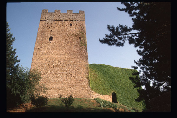 Porciano Castle (600Wx400H) - Porciano - photo courtesy of Paolo Ramponi - castellitoscani.com