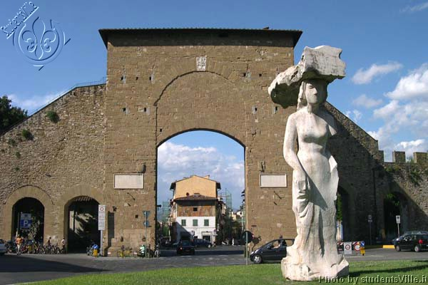 Porta Romana (600Wx400H) - Porta Romana, under Piazzale Michelangelo. If you take the highway toward Siena you'll pass by this square...(Photo by Marco De La Pierre)