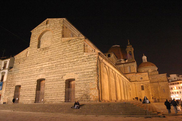 San Lorenzo by night (600Wx400H) - San Lorenzo Church by Night (Photo by Paolo Ramponi)