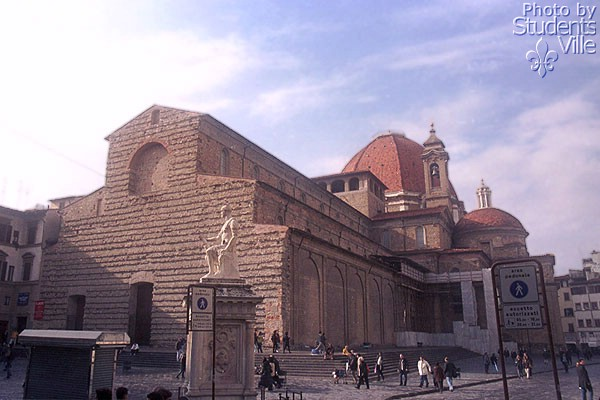 The Basilica (600Wx400H) - The incomplete facade of the Basilica di San Lorenzo (Photo by Paolo Ramponi)
